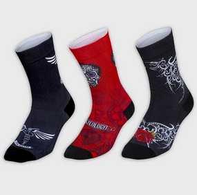 Dizajnové návrhy na ponožkách pochádzajú z našich najpredávanejších cyklistických dresov a budú sa dobre kombinovať s mnohými súpravami Cycology. Ponožky sú tak dobré, že ich budeš chcieť nosiť všade, každý deň.